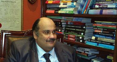 الدكتور حسام أحمد فؤاد أستاذ الجراحة العامة