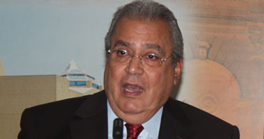 الدكتور جابر عصفور رئيس المركز القومى للترجمة