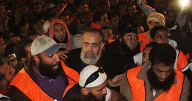 أبو إسماعيل يطالب المعتصمين بعدم مغادرة ميدان التحرير S11201118221358