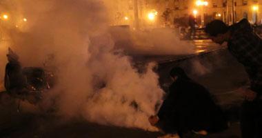 المتظاهرون يحاولون اقتحام وزارة الداخلية