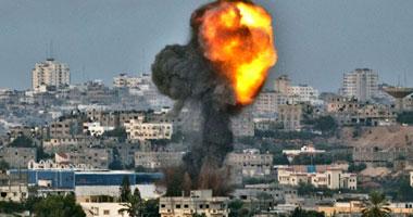 """إسرائيل تخرق الهدنة وتقصف غزة أثناء زيارة """"قنديل"""" للقطاع"""