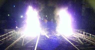 قطع خطوط السكك الحديدية بدمنهور احتجاجا على وفاة أحد المتظاهرين s1120122524133.jpg