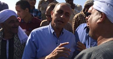 بالصور.. وزير الزراعة يضع حجر الأساس لمشروعات زراعية بأسوان