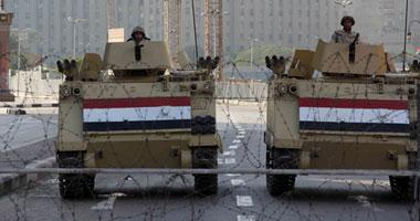 الجيش ينشر مدرعاته على مداخل التحرير وسيولة مرورية بالميدان