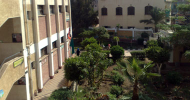 نقل معلم من مدرسته بالسويس لسوء معاملته التلاميذ
