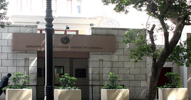 السفارة الأمريكية تهنئ المصريين بعيد الفطر: انبسطوا بالكحك وبالهنا والشفا