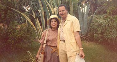 أحمد فؤاد مع والدته الملكة السابقة ناريمان