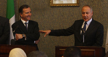وزير خارجية إيطاليا: ليبيا دولة واحدة.. ونعترف بحكومة السراج