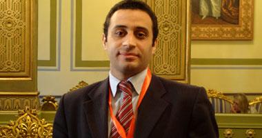 الدكتور أكمل سعد حسن