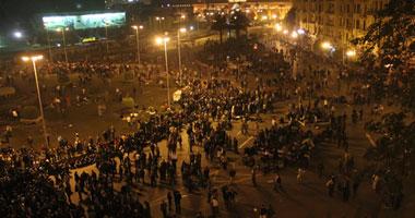 الأمن المركزى يقتحم ميدان التحرير.. واعتقال الضباط المعتصمين S1201125224755