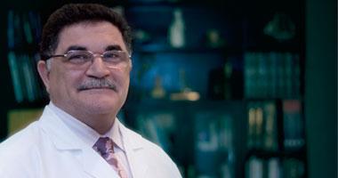 الدكتور أحمد عادل نور الدين أستاذ جراحة التجميل بكلية الطب جامعة القاهرة