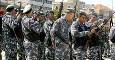 الأمن اللبنانى يلقى القبض على مهربين و 163 سوريا لاتهامهم بدخول البلد خلسة