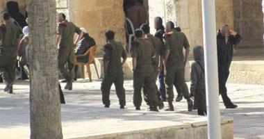 مستوطنون يقتحمون الأقصى بحراسة مشددة من الاحتلال الإسرائيلى