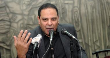الأسوانى: الإخوان بدأت بشاعتهم والشعب سيسقطهم كما أسقط مبارك
