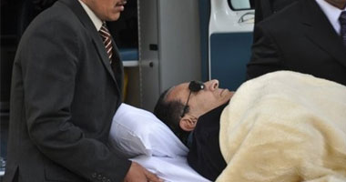 تأجيل محاكمة مبارك والعادلى للغد لسماع مرافعة دفاع رمزى s12012299558.jpg