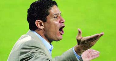 المصرى أيمن الرمادى ينافس على جائزة أفضل مدرب فى الدورى الإماراتى