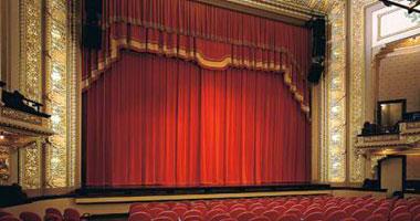 """""""قريب جدا"""".. ديودراما جديدة بالمسرح العائم"""