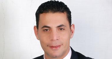 د. سعيد حساسين أخصائى العلاج بالأعشاب