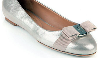 57a525593518e بالصور.. 10 من أجمل أحذية الزفاف المسطحة.. لراحة أكثر للعروس - اليوم ...
