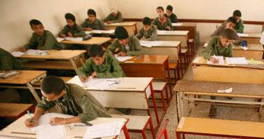 """طلاب """"التجريبية"""" بأسوان يؤدون امتحانات الشهادة الإعدادية فى 8 لجان"""