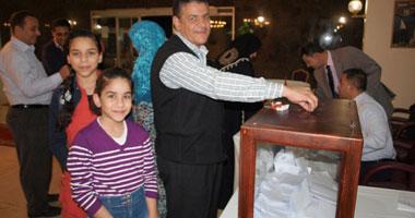 294 مصريًا يوافقون على الدستور فى السودان