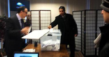 تزايد إقبال المصريين بلبنان على التصويت فى آخر أيام الاستفتاء