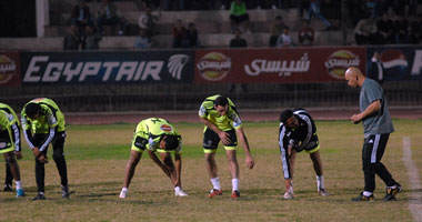 جماهير الزمالك استقبلت حسام حسن فى أول تدريب مع الفريق