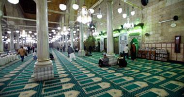 """مريدو الصوفية: """"الحسين"""" ظهر بالمسجد أثناء انقطاع الكهرباء أمس s12200927171814.jpg"""