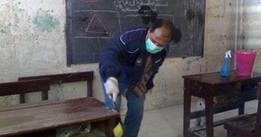 الحكومة تتأهب.. خطة الدراسة الآمنة من كورونا تشمل غرف عزل وتعقيم المدارس
