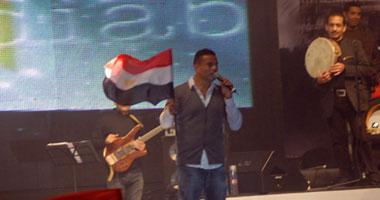 المطرب عمرو دياب