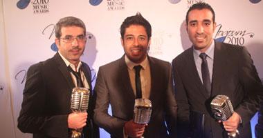 عمرو دياب وتامر حسنى الأكثر فوزاً بالجوائز العالمية.. ومنير يرفع علم مصر بـ«تحت الياسمينا»