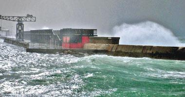 كوريا الجنوبية تسعى لإنقاذ 4 من مواطنيها محاصرين فى سفينة بالساحل الأمريكى