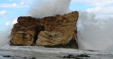 أمواج عالية - أرشيفية