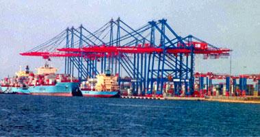 تداول 19 سفينة بضائع وحاويات بموانئ بورسعيد