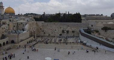35 مستوطنا إسرائيليا يقتحمون ساحة المسجد الأقصى