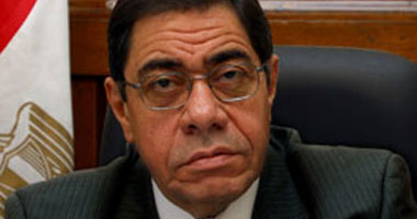 صاحب محاولة الانتحار أمام مكتب النائب العام: أتقاضى 67 جنيها شهريا منذ 15 عاما s12201025174740.jpg