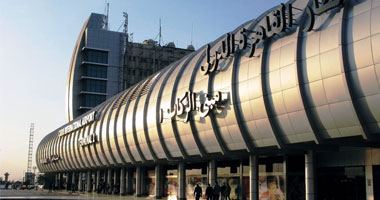 مطار القاهرة يستعد لاستقبال الرئيس قبل بدئه أول زيارة خارجية S1220104145435