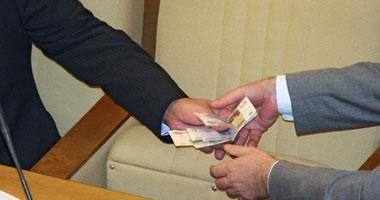 نبيل شبكة يكتب: القضاء على الفساد الإدارى هو الحل