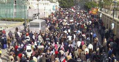 """مسيرة لأعضاء """"ثورة الغضب الثانية"""" بالعمرانية للتنديد بأحداث مجلس الوزراء"""