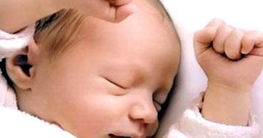 تعرف على مراحل تطور الطفل خلال عام من ولادته