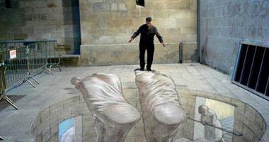فنان أرجنتينى ينفذ لوحات فنية رائعة بالخداع البصرى