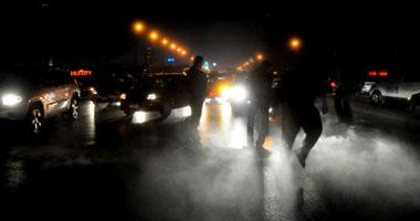 متظاهرون يقطعون كوبرى أكتوبر