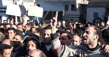 بالفيديو.. استمرار إضراب عمال ورش سكة حديد أبو راضى