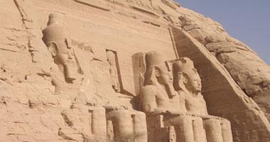 احتفالات التعامد الشمس على وجه تمثال رمسيس الثاني احتفالات التعامد الشمس  على وجه تمثال رمسيس الثاني. معبد أبو سمبل الكبير