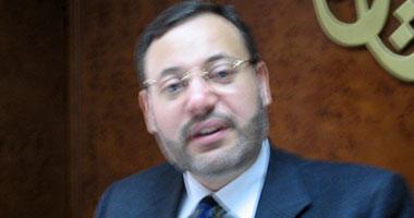 أحمد منصور يدشن على فيس بوك حملة توقيعات تطالب  ميركل  بإطلاق سراحه