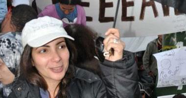 منى زكى تنفى تقديمها فيلماً عن الشهيدة سالى زهران