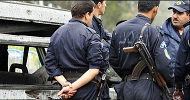 سجين حقوقى يوقف اضرابا عن الطعام استمر أكثر من 100 يوم بالجزائر