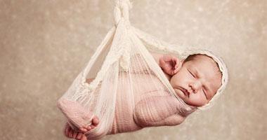 نادرة لحديثى الولادة لحظة الاستسلام
