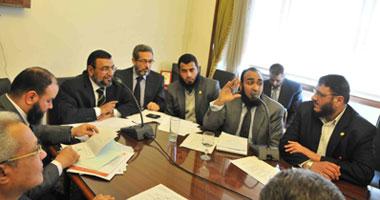 """تقرير""""لجنة الصحة"""" يوصى بتوجيه الاتهام"""