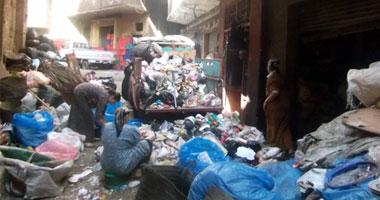 بيزنس الزبالة ودورة القمامة فى ورش إعادة التدوير بحى الزرايب